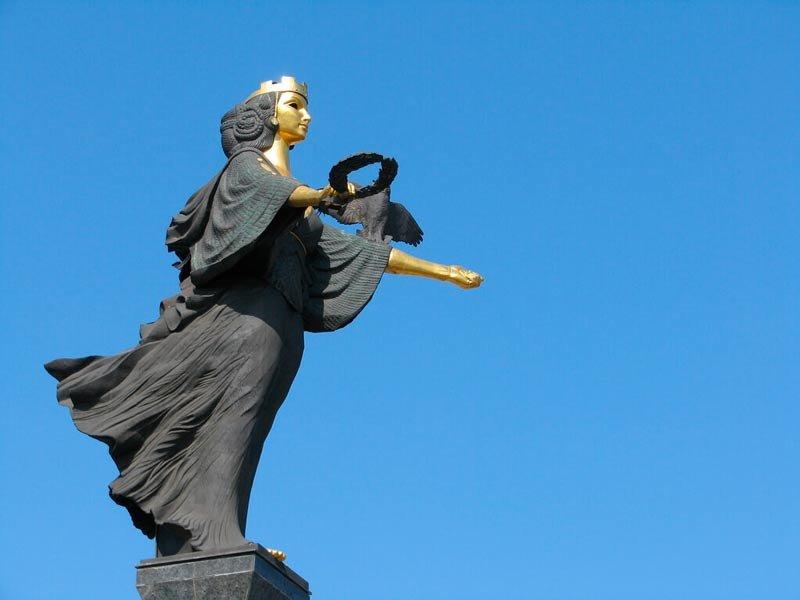 Памятник святой Софии