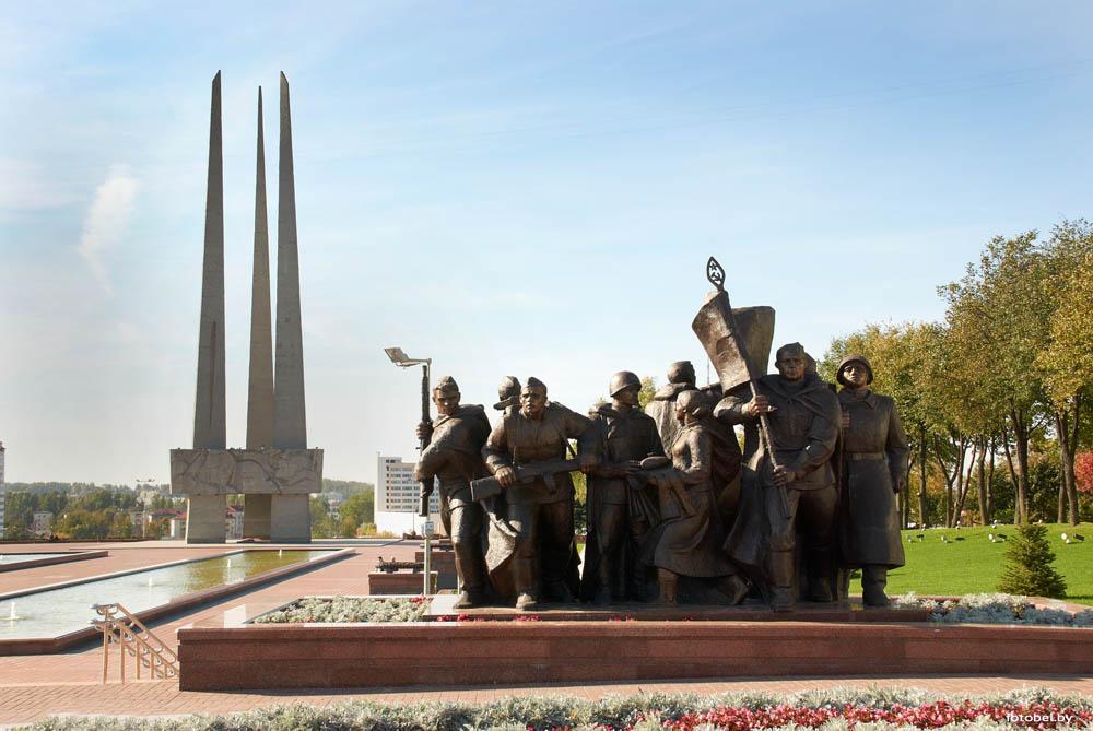 Площадь Победы и монумент витебск