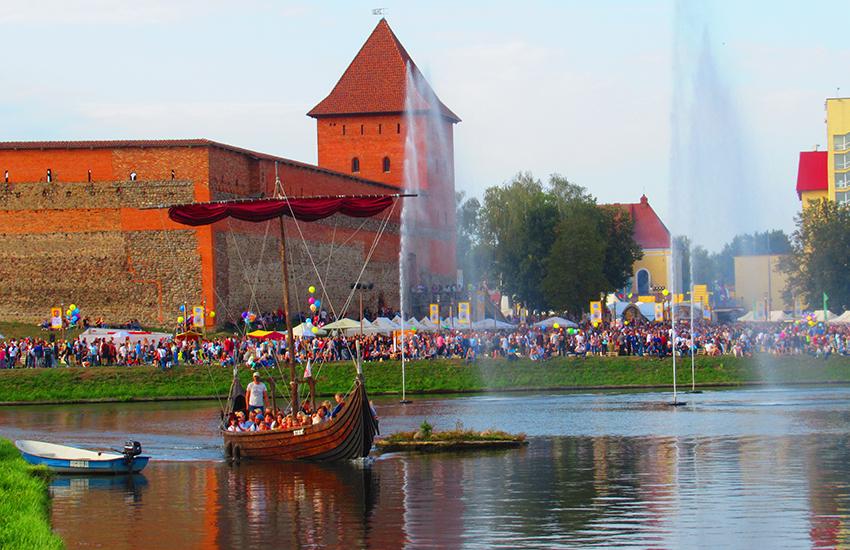 Современный Лидский замок
